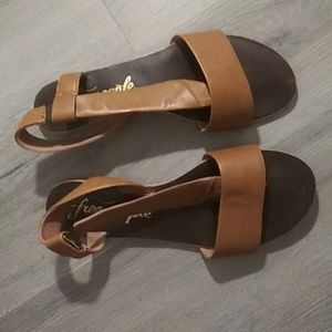 FREE PEOPLE brown leather Sandals size 38 8